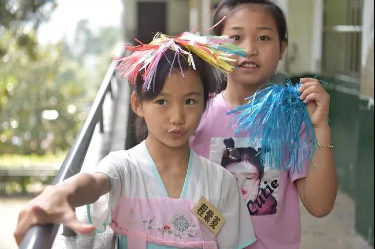 【爱的陪伴支教日记】(3):儿童急走追黄蝶——童趣
