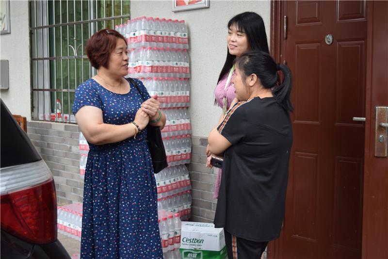 株洲装饰装修行业协会党支部慰问受灾群众