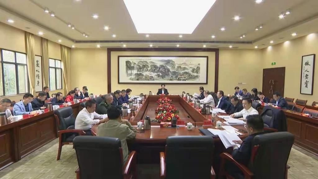 市委全面深化改革委员会第五次会议审议通过《关于推进政府职能向社会组织转移工作方案》